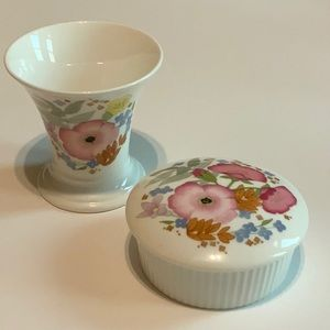 WEDGWOOD Meadow-Sweet china dressing table set